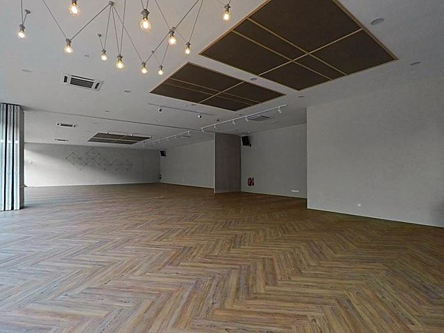 minimalist fuctional hall with high ceiling