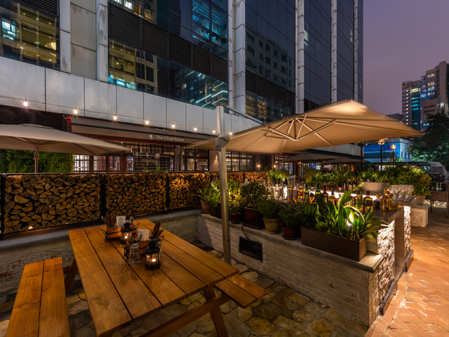 the chop house restaurant outdoor dining area
