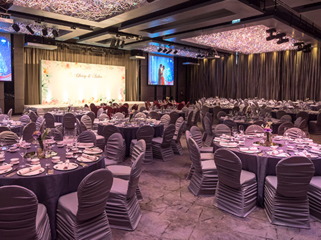 silverbox function room with round table setup