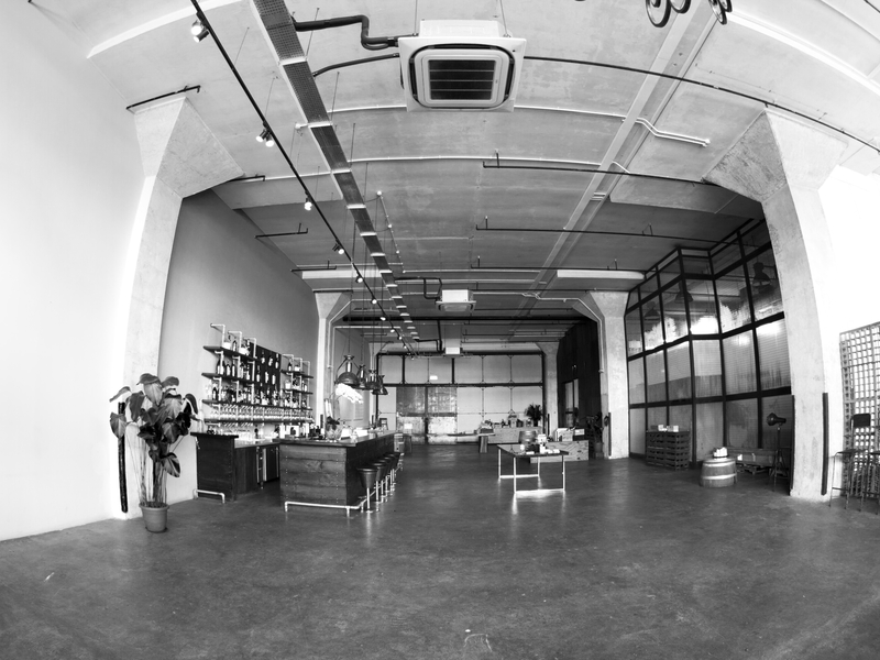 4000-square-foot of industrial warehouse