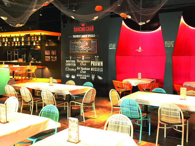 indoor seafood restaurant by tunglok group