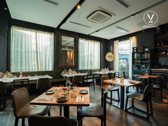 mexican restaurant suitable for corporate function