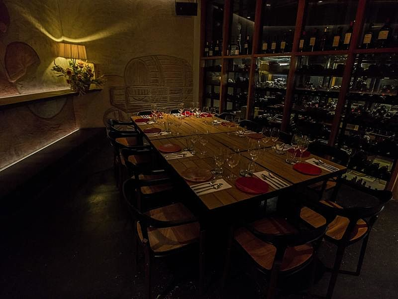 private dining room for business dinner and gathering