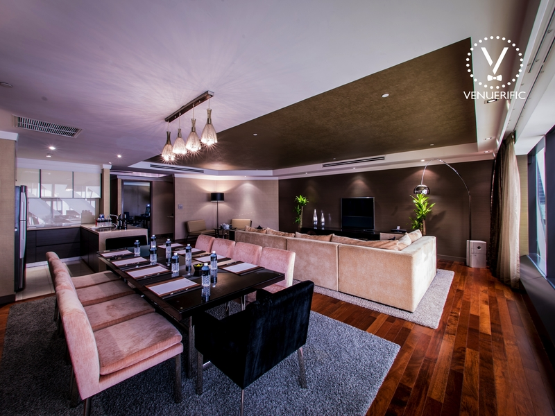 spacious one bedroom suites located on the highest floor of grand park orchard