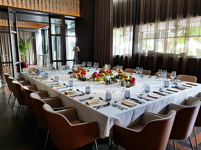 private dining room for business lunch and meeting