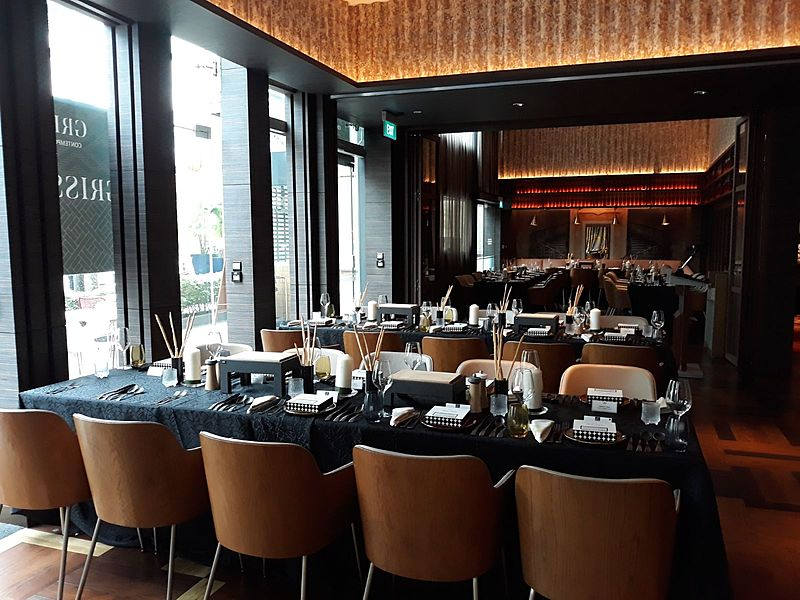 indoor contemporary restaurant by grissini at millenium hotel