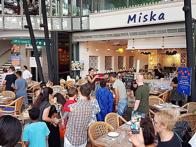 afternoon gathering event in miska