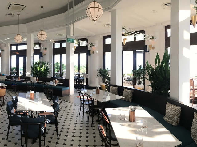 collonial restaurant style with natural light