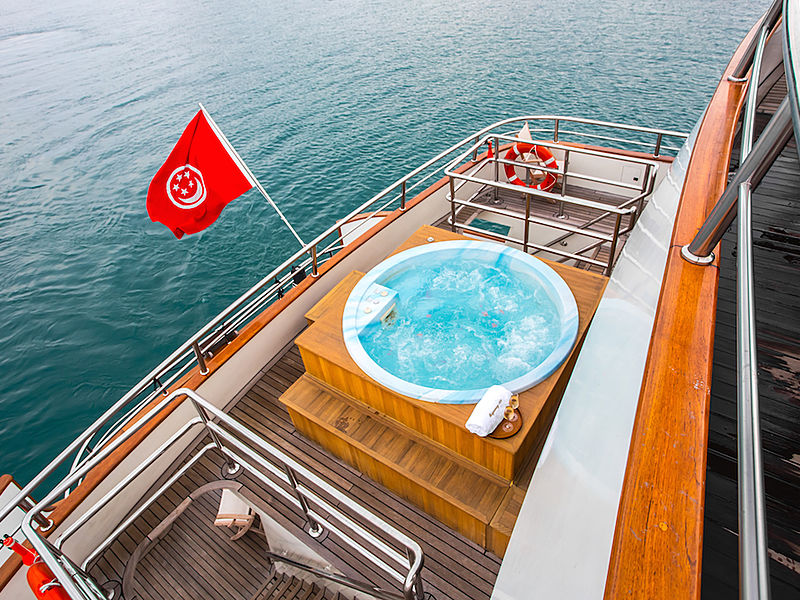 yacht outdoor jacuzzi with wooden floors