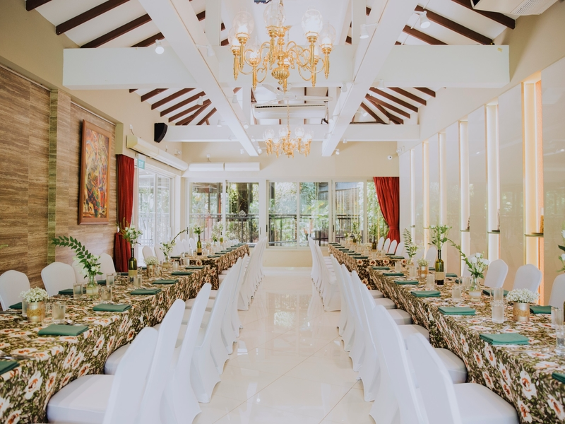 ultimate wedding venue in singapore with banquet seating and big windows
