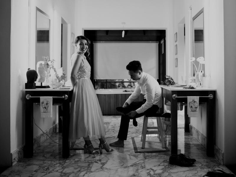 couple doing prewedding shoot in singapore venue