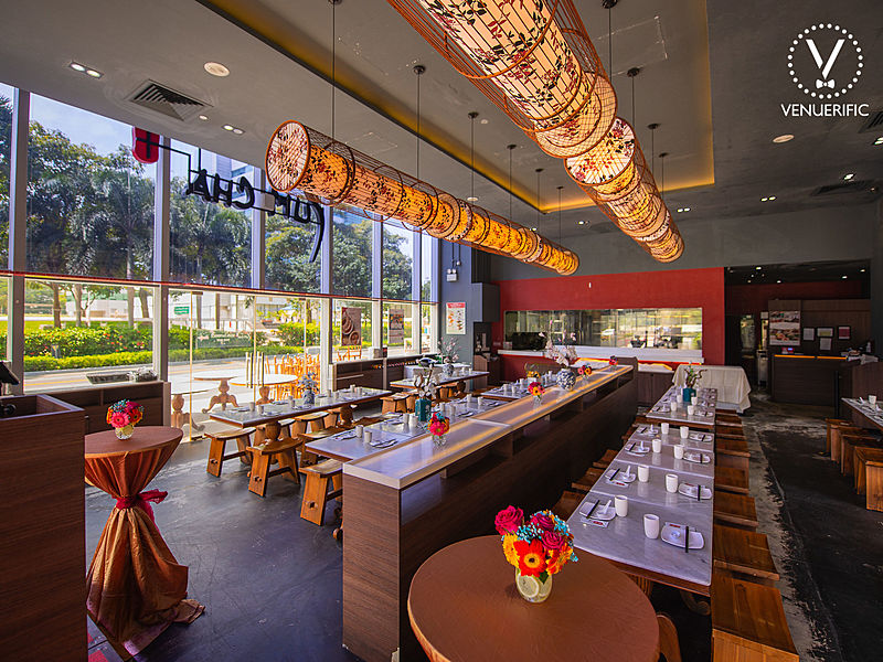 singapore medium scale restaurant located near the main road