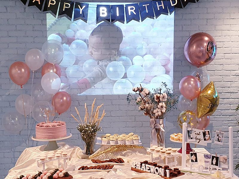 kid's birthday event with pastel decoration