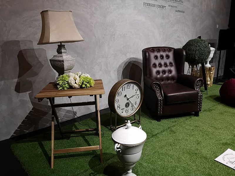 artsy event area with artificial grass carpet