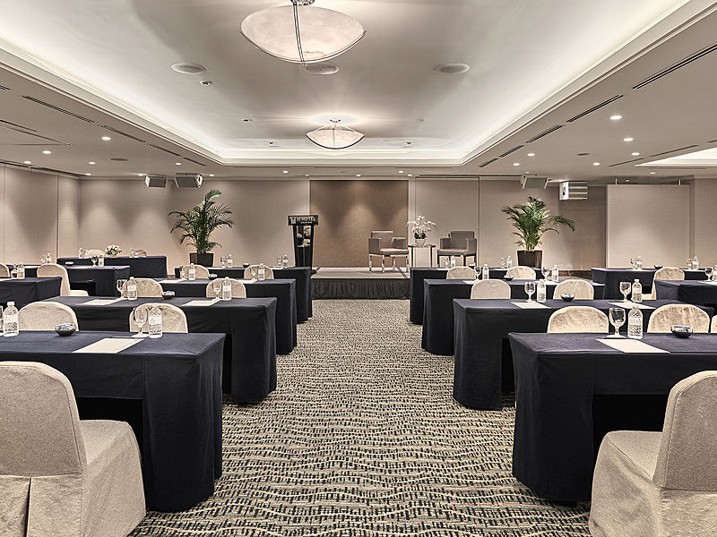 elegant small workshop rooms
