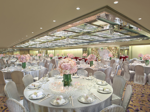 hotel ballroom setup for wedding in regal kowloon hotel