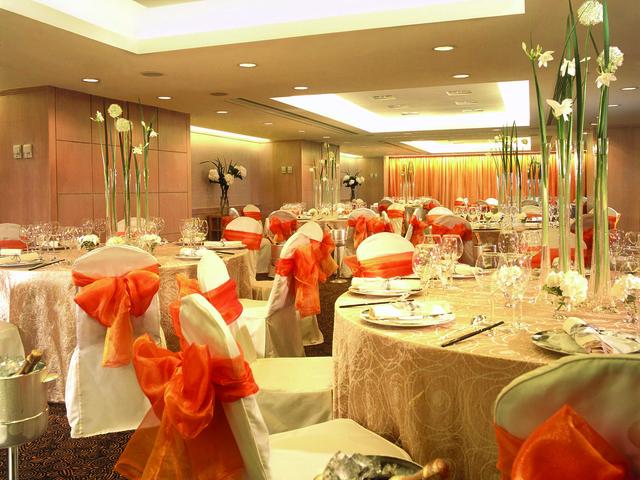 private wedding ballroom in regal kowloon hotel