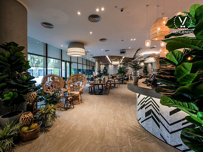 restaurant interior inspired by tropical twist