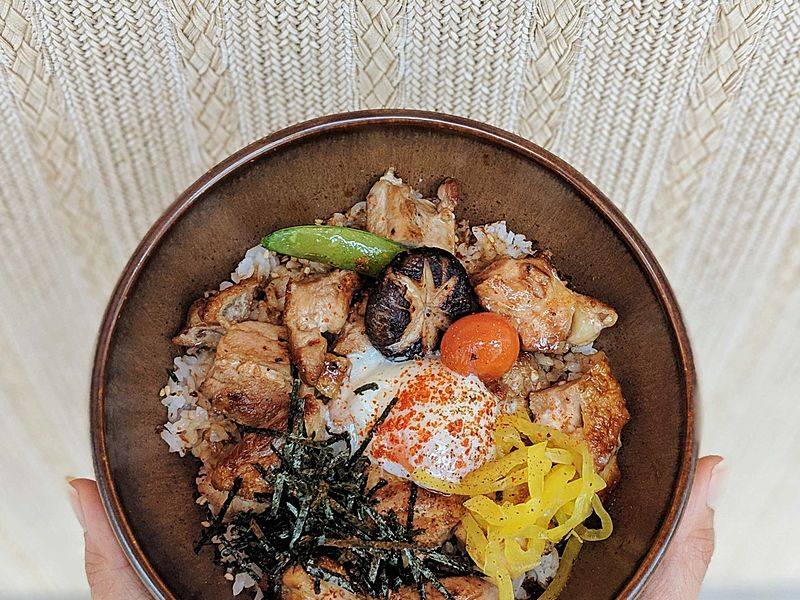 singapore restaurant that served tasty salmon donburi dishes