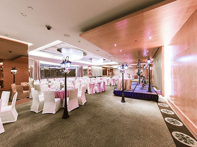 dining table for wedding party with live music stage