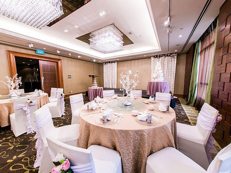 initmate wedding party decoration