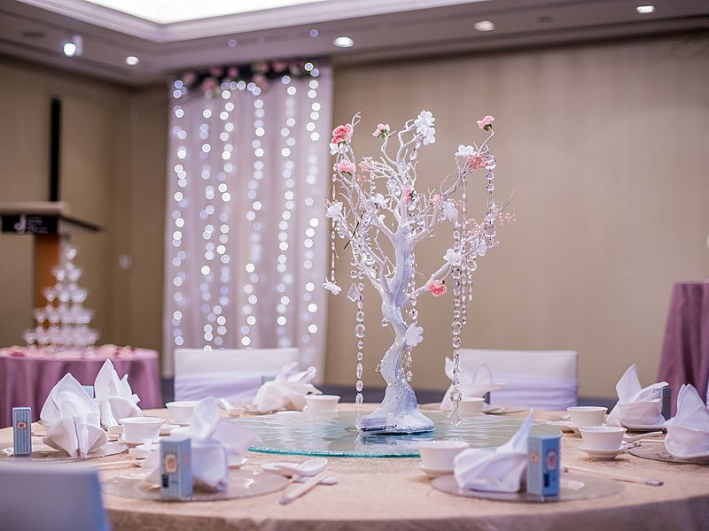 beautiful table decoration with tree