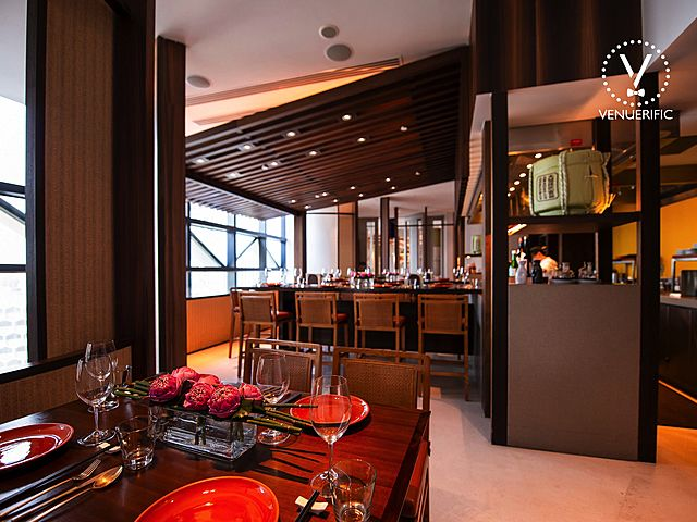 fine dining restaurant in singapore with wooden interior