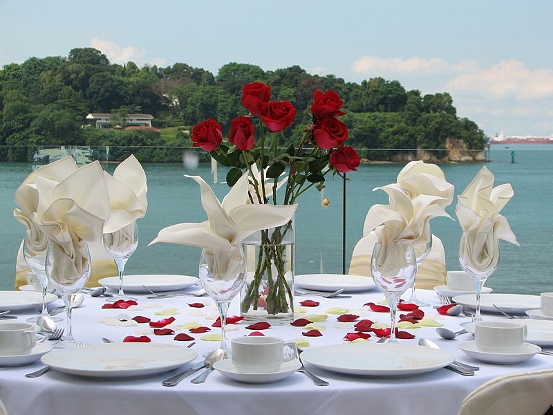 table decorations with sea background