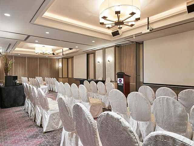 theatre room setup for corporate training