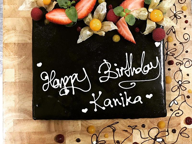 birthday cake for kanika