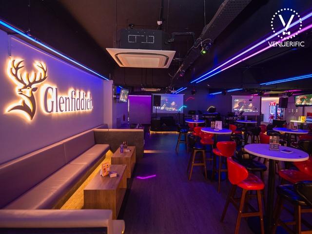 bar with glenfiddich logo