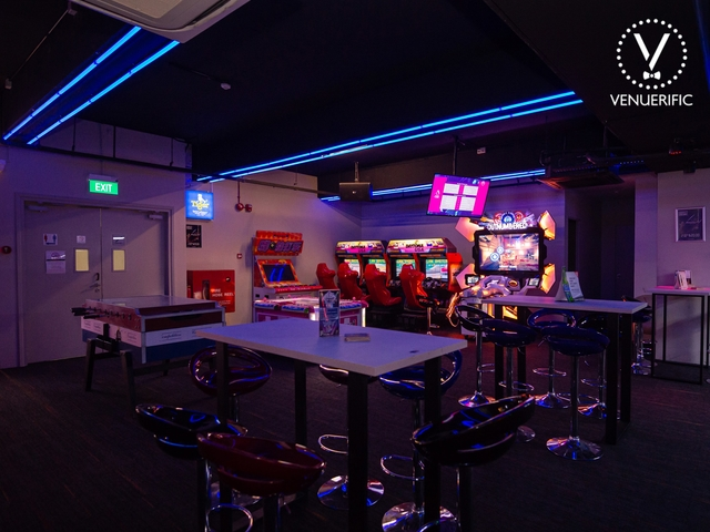 singapore bar with games mechine
