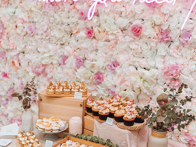 best party venue with buffet food and flower decoration