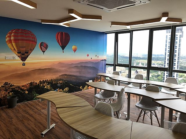 private room with city view and wall with ballons ride wallpaper