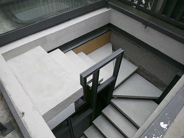 party rooftop venue in hong kong with winder stairs