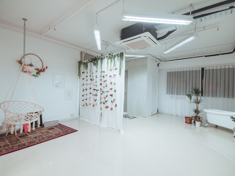 singapore white-themed event space for photoshoot