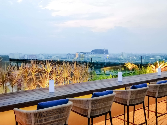 11 12 rooftop bar artotel gajahmada semarang best place for new year