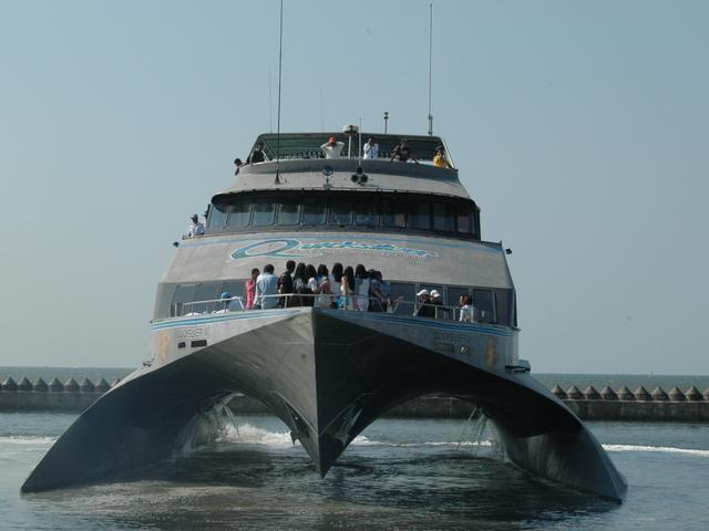 quicksilver cruise jakarta batavia marina sunda kelapa port sewa kapal untuk event