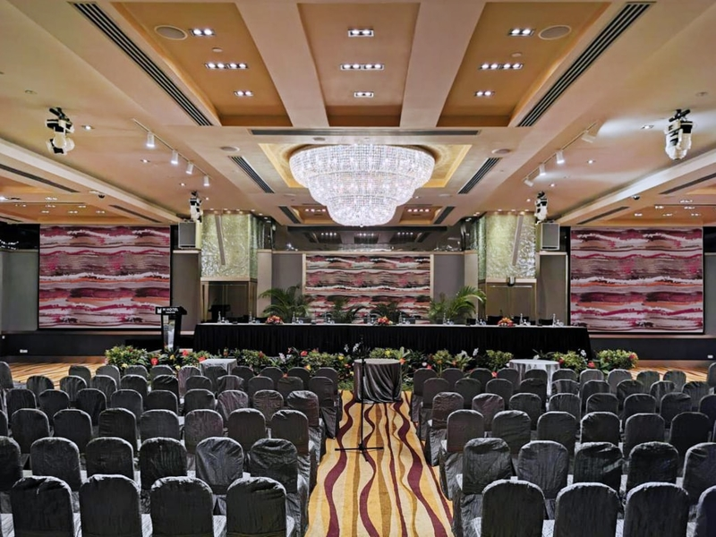 seminar set up for 320 capacity event in ballroom with stage