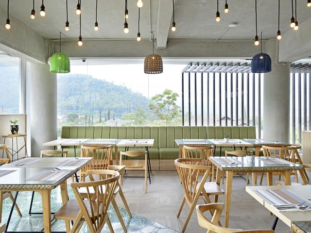 sangkar restaurant alpines batu tempat arisan seru
