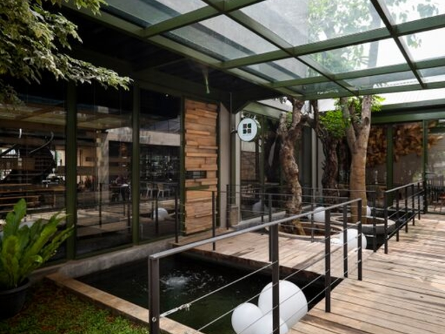 kayu kayu restaurant unik di tangerang