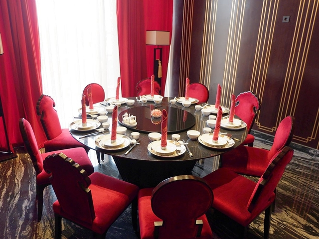 royal eight chinese semi fine dining red theme venue tangerang