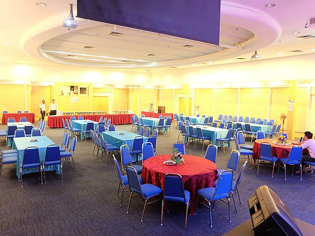 event set up with round table for dining event