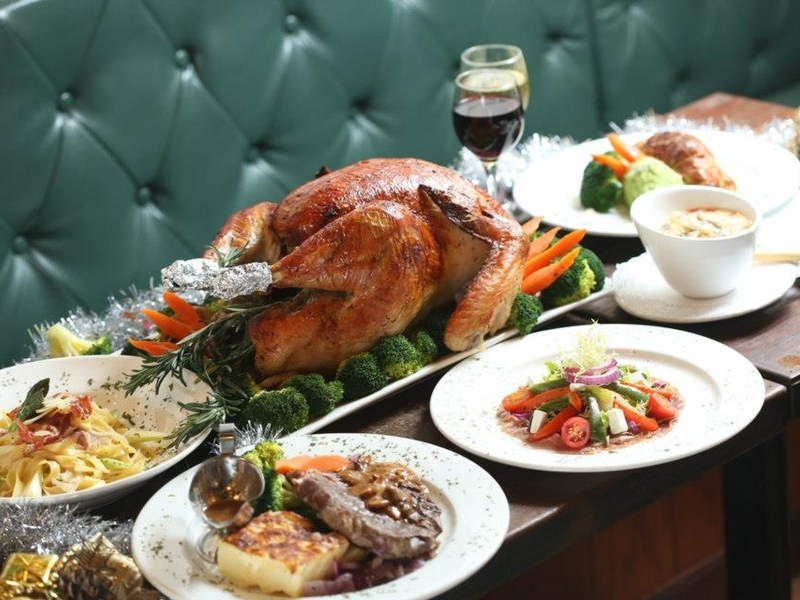 british pub christmas party dining package