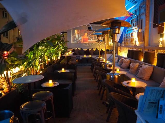 the outdoor terrace of havana bar with alfresco