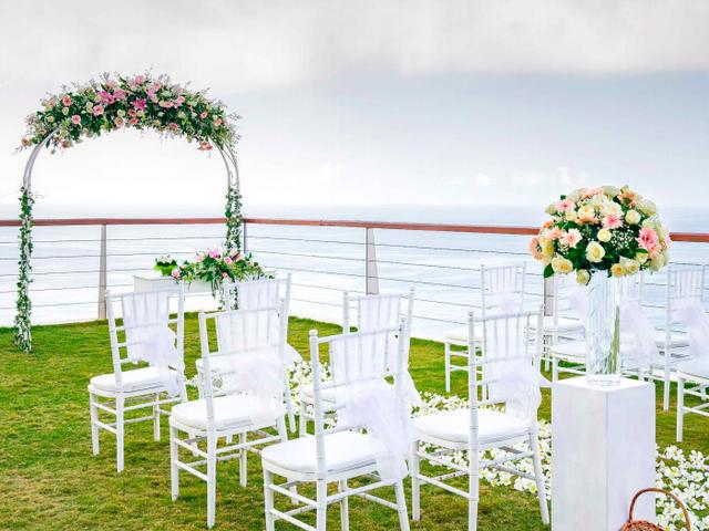 the venue the edge bali garden wedding with sea view