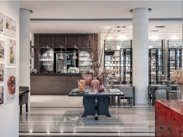 huize van wely kemang luxury style restaurant south jakarta