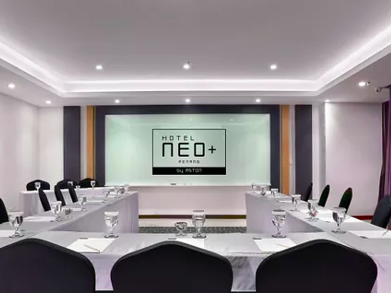 private big meeting room with round table set up