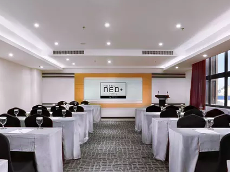 seminar set up event with 150 capacity
