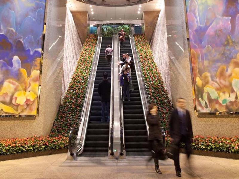 the summit exchange square lobby escalator